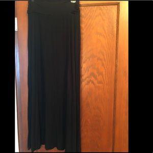 Merona black Long Beach skirt